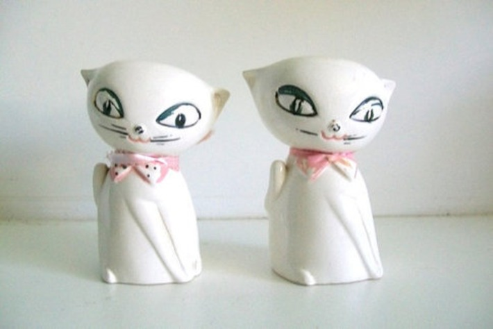 Holt Howard Mid Century Cozy Kitten Salt & Pepper Shakers | Kitsch | Scoop.it