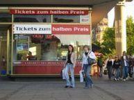 Places de spectacles à moitié prix - VivreaBerlin.com | Allemagne tourisme et culture | Scoop.it