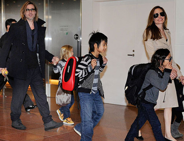 Brad and Angelina's kids are learning  seven languages | Angelika's German Magazine | Scoop.it