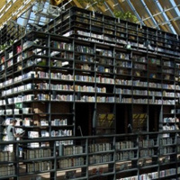 Towering Library Covered In Books Proves That Hardcovers Are Still Good For Something | The Scoop on Libraries | Scoop.it