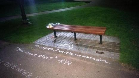 Robin Williams: Good Will Hunting bench in Boston gets quote tributes from fans | INTRODUCTION TO THE SOCIAL SCIENCES DIGITAL TEXTBOOK(PSYCHOLOGY-ECONOMICS-SOCIOLOGY):MIKE BUSARELLO | Scoop.it
