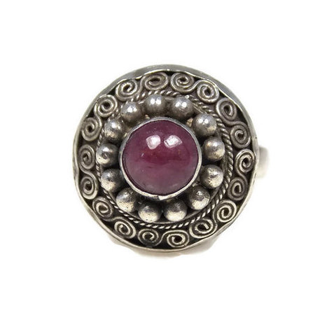 Sterling Silver Cherry Ruby Ring Size 5.5 Bali Scroll Ring | Vintage Jewelry | Scoop.it