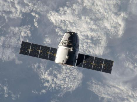 NASA gives SpaceX the go-ahead for Dragon hookup with space station | Art everywhere | Scoop.it