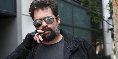 Man Smoking E-Cigarette Must Be Futuristic Bounty Hunter | Electronic Cigarettes | Scoop.it