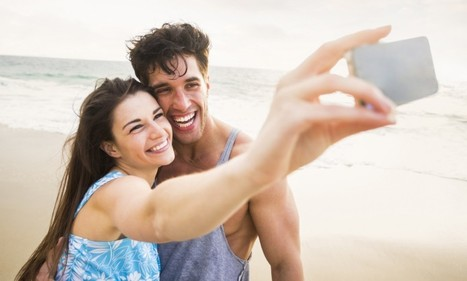 Selfies with your partner can make your friends hate you | Kickin' Kickers | Scoop.it