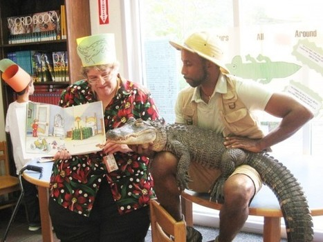Queens (NY) Librarian Reads to Alligator to Reward Summer Reading | LibraryLinks LiensBiblio | Scoop.it