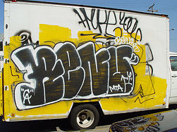 How to Draw Graffiti Names: 10 steps (with video) - wikiHow | OFF THE CANVAS DESIGN | Scoop.it