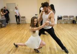 Two Daily News reporters learn the tango from Karina Smirnoff and Maksim ... - New York Daily News | french expressions | Scoop.it