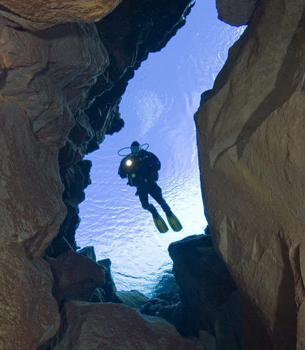 Silfra - Thingvellir National Park, Iceland - Diving between Continents | Geology News | Scoop.it