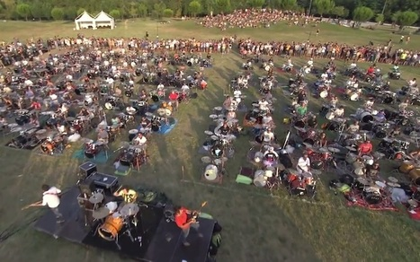 "Vidéo : 1000 musiciens jouent ""Learn To Fly"" des Foo Fighters - Konbini 