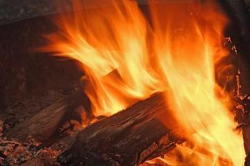Le feu de bois, au coin de la cheminée, bientôt fini ? | L'Etablisienne, un atelier pour créer, fabriquer, rénover, personnaliser... | Scoop.it