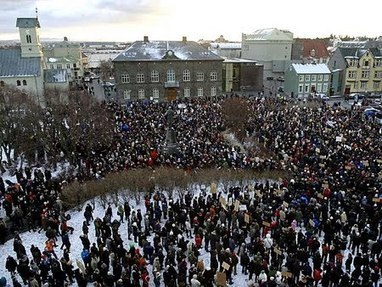 Révolution pacifique en Islande, black-out des Médias ! | InterObjectif.Net | fin de l'euro et économie | Scoop.it