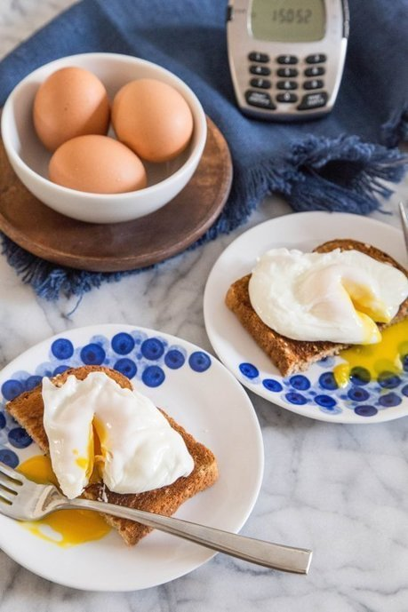 Julia Child's Simple Trick for Perfect Poached Eggs Every Time — Tips from The Kitchn | ♨ Family & Food ♨ | Scoop.it