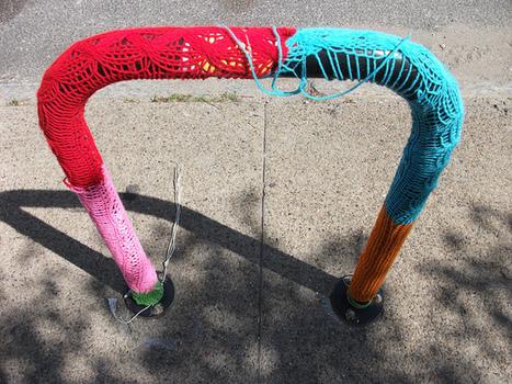 Vandalog – A Street Art Blog » Yarn bombing: You can't sit with us | Yarn bombing _ File Ta[g] Ville | Scoop.it