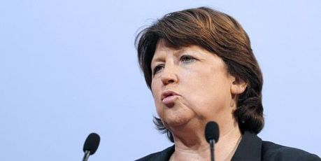 Martine Aubry déplore le report du non-cumul des mandats | LeMonde.fr | Dépenser Moins | Scoop.it