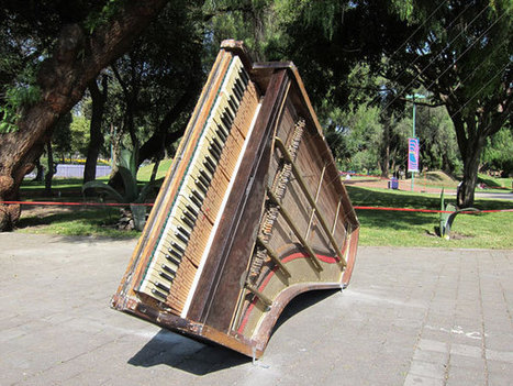 A Piano Listening To Itself – Chopin Chord, 2010, mixed media sound installation -Gordon Monahan   DESARTSONNANTS - CRÉATION SONORE ET ENVIRONNEMENT - ENVIRONMENTAL SOUND ART - PAYSAGES ET ECOLOGIE SONORE   Scoop.it