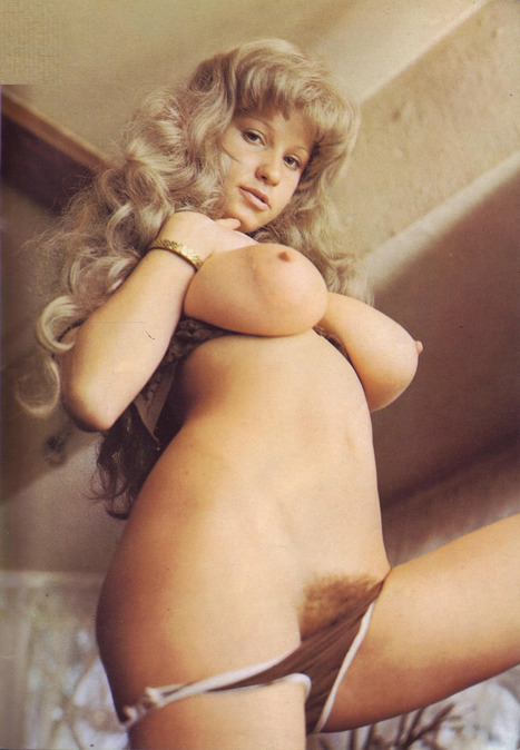 Roberta Pedon wearing a grey wig for Busen #2 circa 1977 | Busty Boobs Babes | Scoop.it