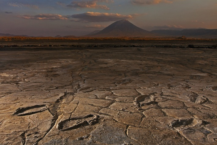 Treasure Trove of Ancient Human Footprints Found Near Volcano | National Geographic | Kiosque du monde : A la une | Scoop.it
