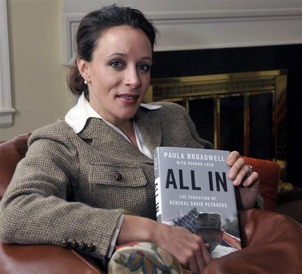 Petraeus's resignation: Who is Paula Broadwell? | General petraeus | Scoop.it
