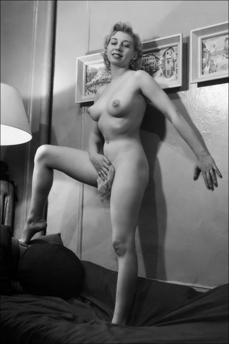 nofrillsretro: No Frills Retro - your daily dose... | Retro Girls Photo Arhiv | vintage nudes | Scoop.it
