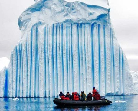 Naturally striped Antarctic icebergs are almost too beautiful to be real | The Landscape Café | Scoop.it