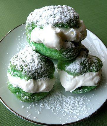 Recipe: St. Patrick's Day Cream Puffs | Candy Buffet Weddings, Events, Food Station Buffets and Tea Parties | Scoop.it