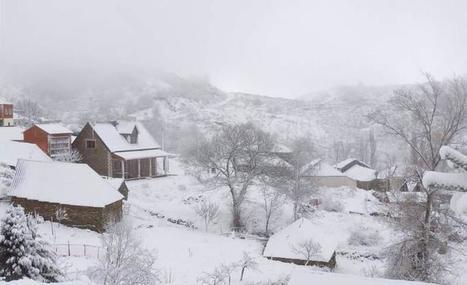 El temporal de nieve, frío y viento arrecia en la provincia llega de lleno a la ciudad y corta la autopista y Pajares | MONTAÑA DE LEÓN | Scoop.it