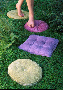 These pillows are STEPPING STONES! | Upcycled Garden Style | Scoop.it