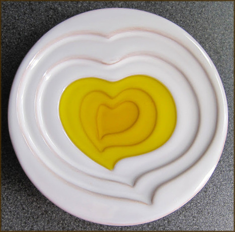 Olive Oil Dipping Dish from The Handpicked Collection | A Glug of Oil | Extra Virgin #OliveOil | Scoop.it