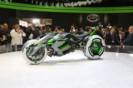 Transforming Kawasaki concept debuts at Tokyo Motor Show | DVICE | motocross!!! | Scoop.it