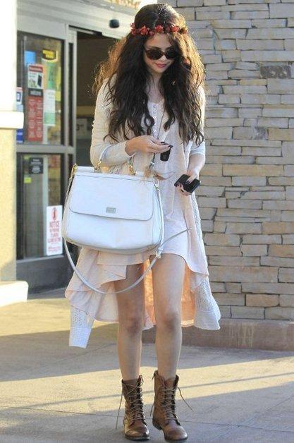 Selena Gomez Street Style 2013: Romantic Boho Look | Celebrity Fashion News | Scoop.it