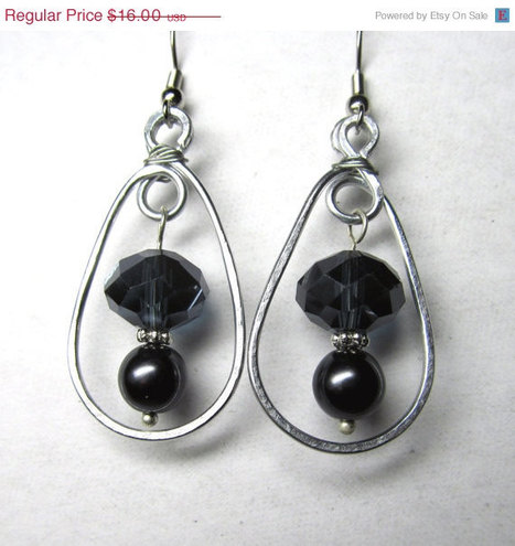 Gothic Wire Wrapped Black Crystal & Pearl Earrings | Wire Wrapped Jewelry | Scoop.it