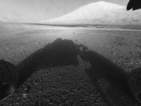 Me & My Shadow... & Mount Sharp. | Epic pics | Scoop.it