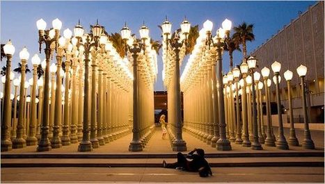 "Chris Burden - ""Urban Light"" 