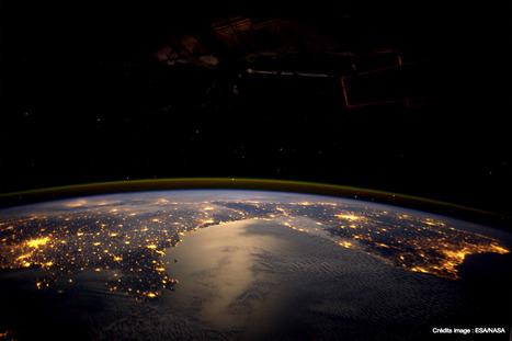 La pollution lumineuse vue de l'espace : Chaque année, un rendez-vous appelé EarthHour invite les Terriens à modérer leur consommation électrique. | Economie du bien-être | Scoop.it