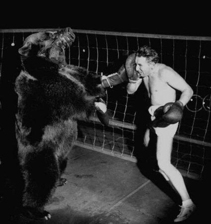 Tweet from @HistoryInPics | Boxing glory | Scoop.it