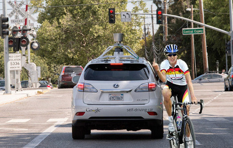 Google's self-driving cars now understand cyclists' gestures & people from behind- #scary it did not before   découverte du site   Scoop.it
