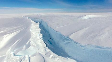 The chasm cutting an Antarctic base adrift | NERC media coverage | Scoop.it