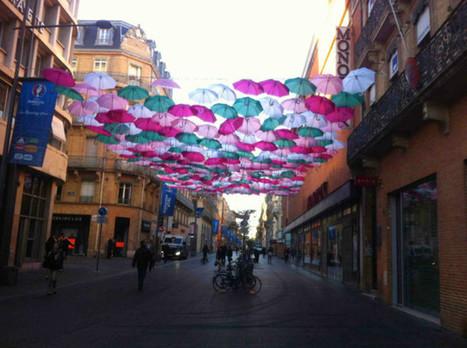 Toulouse. Un toit de parapluies rue Alsace-Lorraine dans le cadre du festival WOPS | Toulouse La Ville Rose | Scoop.it