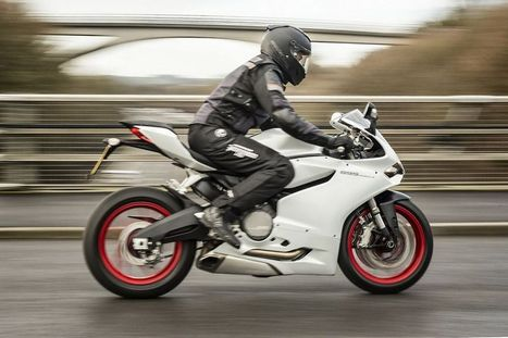 Review of the Ducati 899 Panigale: Baby BOOM! | Ductalk Ducati News | Scoop.it
