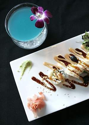 Chef gives new sushi bar an artful spin - The Desert Sun | Diary of a serial foodie | Scoop.it