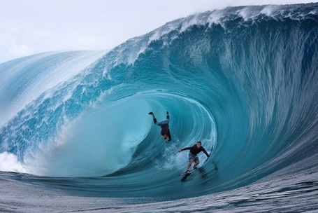 "Images: Du ""très lourd""  ce week-end à Teahupoo 