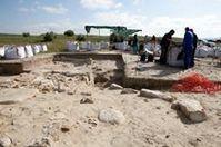 Los voluntarios de Forvm MMX continuan en la zona de la torre. | Cástulo, capital de Oretania | Scoop.it