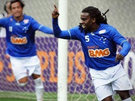 Tinga é vítima de Racismo na estreia do Cruzeiro na Copa Libertadores - JÁ É NOTÍCIA - NA VELOCIDADE DOS ACONTECIMENTOS | Futebois | Scoop.it