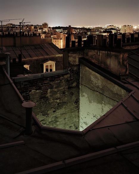 Vue des toits, la ville de Paris sublimée par une lumière intime et nocturne | The Blog's Revue by OlivierSC | Scoop.it
