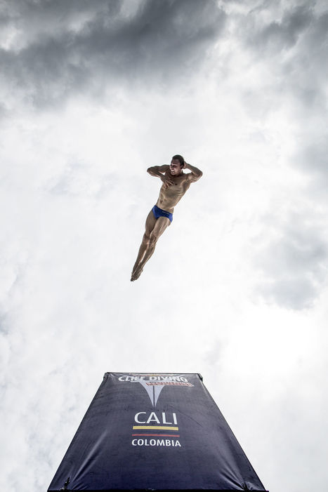 Michal Navratil diving at Red Bull Cliff Diving World Series in Cali, Colombia. | My Photo | Scoop.it