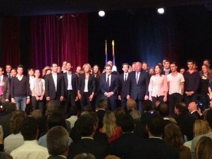 Entre affaires judiciaires et manifs pour tous : Nicolas Sarkozy en meeting à Vélizy | Mes articles | Scoop.it