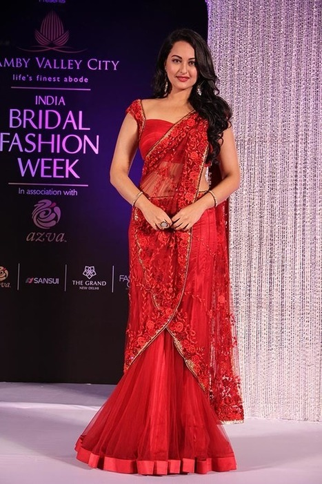 Designer Wear Bridal Dresses 2015, Sonakshi Sinha in Red Lehenga Saree at Bridal Fashion Show, Actress, Bollywood, Indian Fashion | CHICS & FASHION | Scoop.it