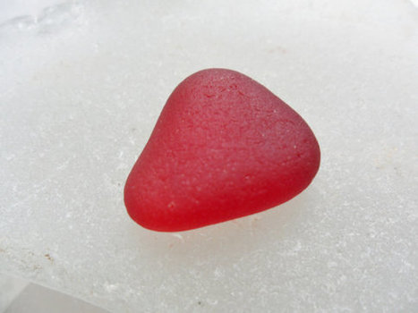 Perfect dark ruby red sea glass triangle from near Ryhope beach North East England | Natural Sea Glass: From Trash to Treasure | Scoop.it