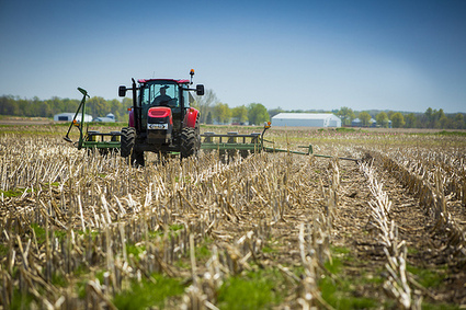 """Missouri's """"Right to Farm"""" Amendment has Family Farmers Worried 